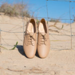 Derbies sable aux lacets ronds en coton