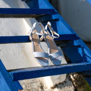 Sandale bleu pastel en simili-cuir avec un joli noeud à la cheville
