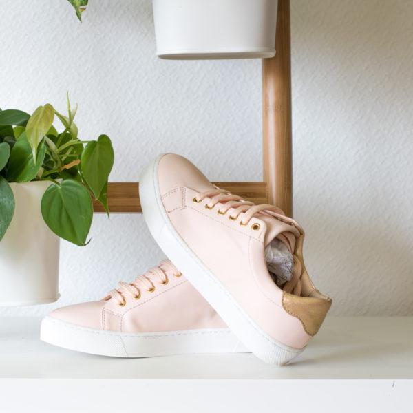 Basket Vegan Rose Pastel, semelle blanche avec détails dorés