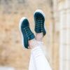 Baskets femme vertes écologiques vegan d'occasion Virevolte l'Aurore par Minuit sur Terre