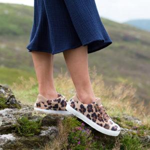 Baskets vegan écologique femme léopard Virevolte Léo l'Aurore par Minuit sur Terre