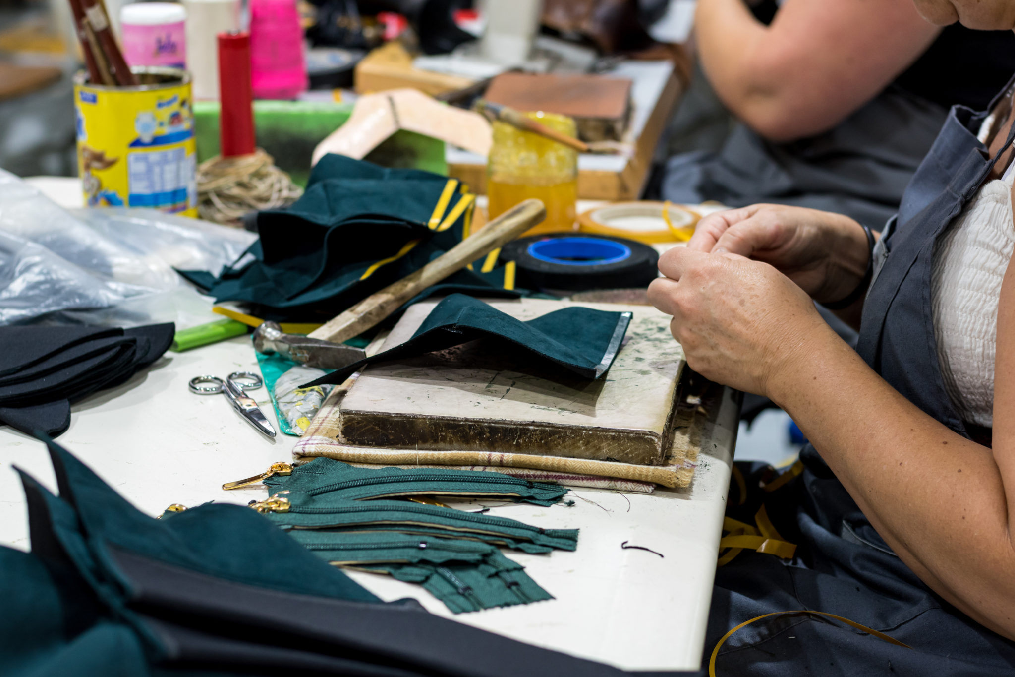 Fabrication chaussures vegan écologiques au Portugal par Minuit sur Terre