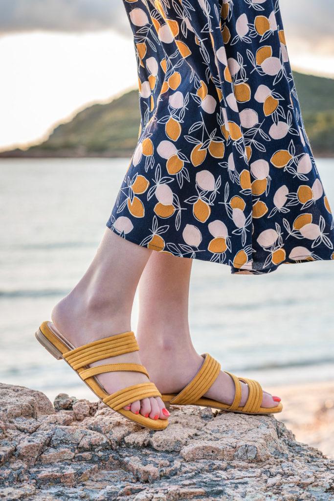 Sandales plates jaunes vegan écologiques d'occasion Minuit sur Terre